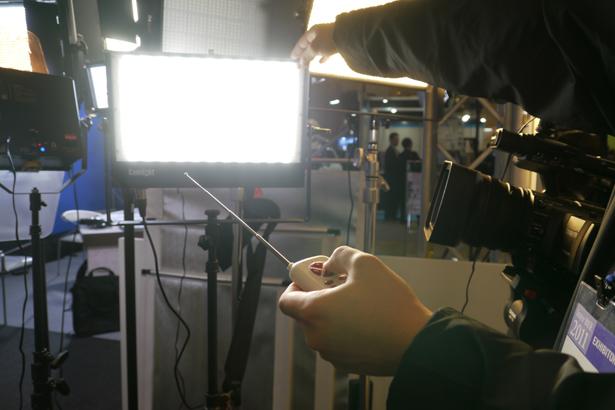 camlight06_interbee2011.jpg
