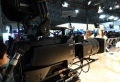 ソニー、1.25型3板CMOSの8Kシステムカメラ UHC-8300