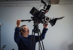 大丸・松坂屋 紳士服 TROJANのプロモーション・ムービーに URSA Mini 4.6KおよびDaVinci Resolve Studioを使用
