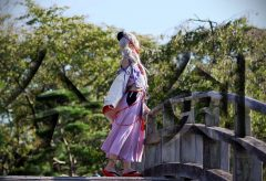 【Views】『今剣 /Imanotsurugi Cosplay Cinematic / Touken Ranbu』2分6秒~義経の守り刀が宮殿を駆け回る。随所にちりばめられたドキッとする構図のショットが新鮮