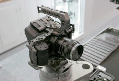 【InterBEE2018】カメラアクセサリーメーカーのTILTAがInterBEE初出展。BMPCC 4K用リグも参考展示