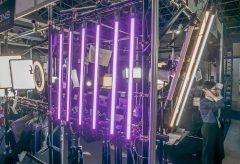 【InterBEE2018】スタジオポリゴンズ、色が自在に変化するチューブ型LEDライトPAVOLITES TUBE