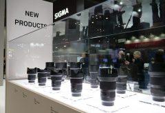 【CP+2019】SIGMA、11本の単焦点Lマウント用レンズ(今後順次発売予定)を展示、レンズ資産を生かす「SIGMA MOUNT CONVERTER MC-21」も