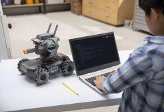 DJI、先進的な教育用ロボット『ROBOMASTER S1』を発売