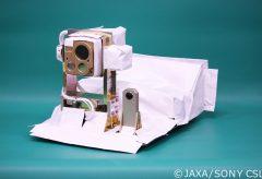 リコー、JAXAと宇宙空間で使用可能な小型全天球カメラを共同開発