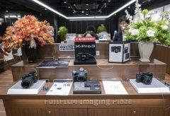富士フイルムが10月21日にオープンした、イメージングプラザ大阪に行ってきた! 発売前のX-Pro3も見られる
