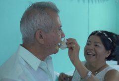【Views】806『メキシコ金婚式/Boda de oro en Papantla, México』4分53秒〜メキシコのとある町のとある時の出来事を紡ぐドキュメント。 ラテンアメリカの明るさと歩んできた道を語る夫婦の朴訥さの対比が作品の色を決めている