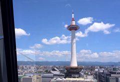 【Views】866-c『親緑64 Kyoto station building』2分〜京都とは思えない現代アートのようなデザインの駅ビルを中心に描く