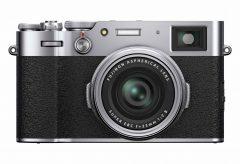 富士フイルム、新開発レンズとハイブリッドファインダー搭載のコンパクトデジタルカメラ『FUJIFILM X100V』を発表