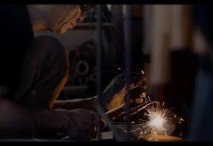 特集連動「オールドシネレンズ K35で撮影した金属造形家のムービー」(撮影:御木茂則)