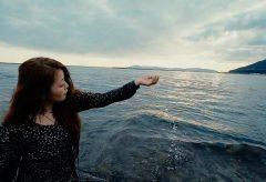 【Views】1460『海辺にて II 〜水に浸る時〜』1分8秒