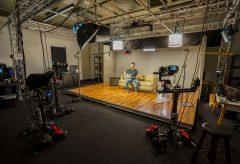ブラックマジックデザイン、フェンダーの新しいハリウッドスタジオに Pocket Cinema Camera 6KおよびATEM Mini Proが導入されたことを発表