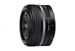 ニコン、 Z マウントシステム対応の小型単焦点レンズ NIKKOR Z 28mm f/2.8 (SE)を発売