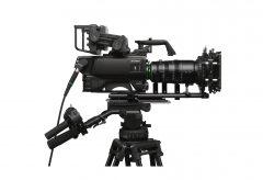 ソニー、被写界深度の浅い印象的なボケ描写を実現するマルチフォーマットポータブルカメラHDC-F5500を発売